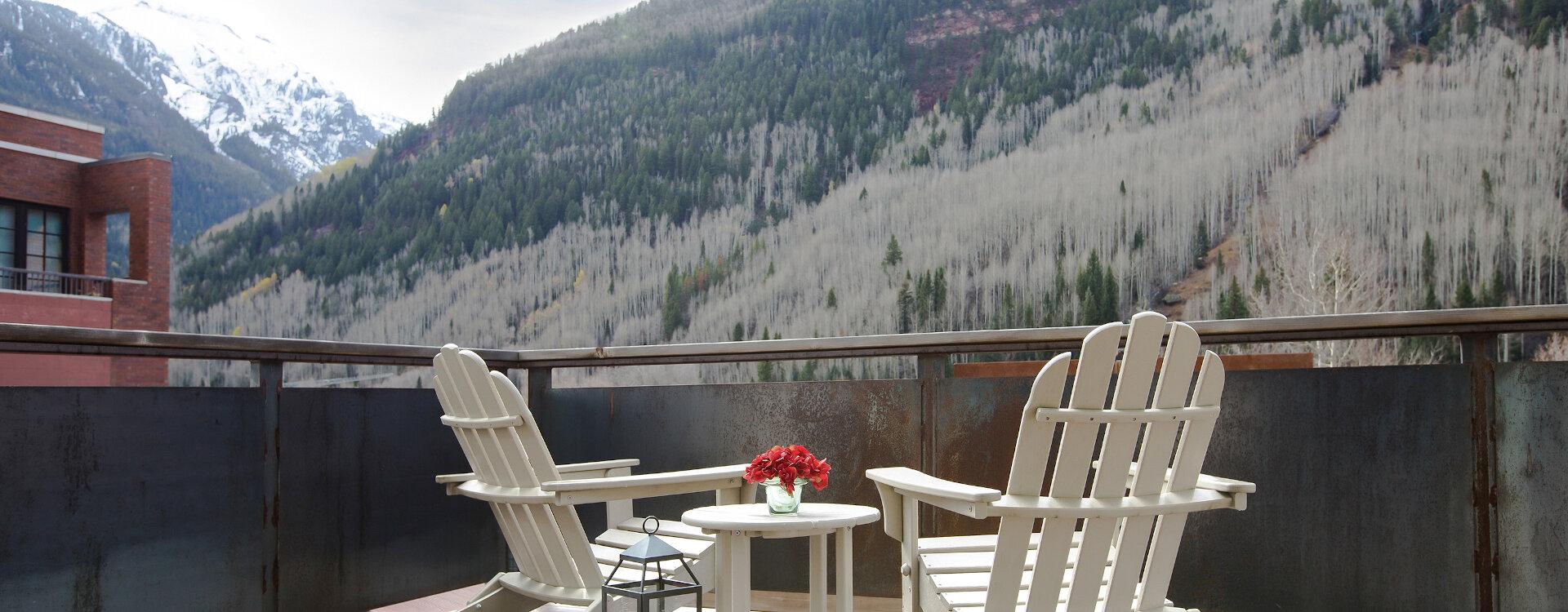 4-Telluride-Meribel-Penthouse-Living-Room-Deck-Tight-web
